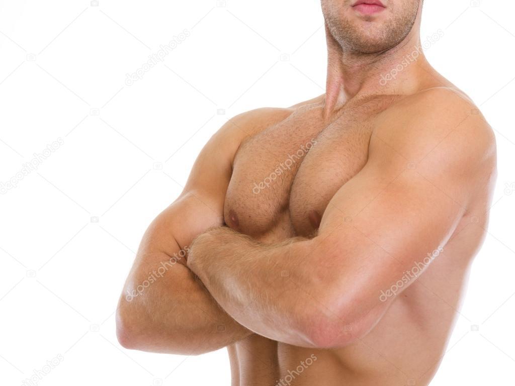 Closeup en hombre musculoso mostrando los músculos del pecho — Foto ...