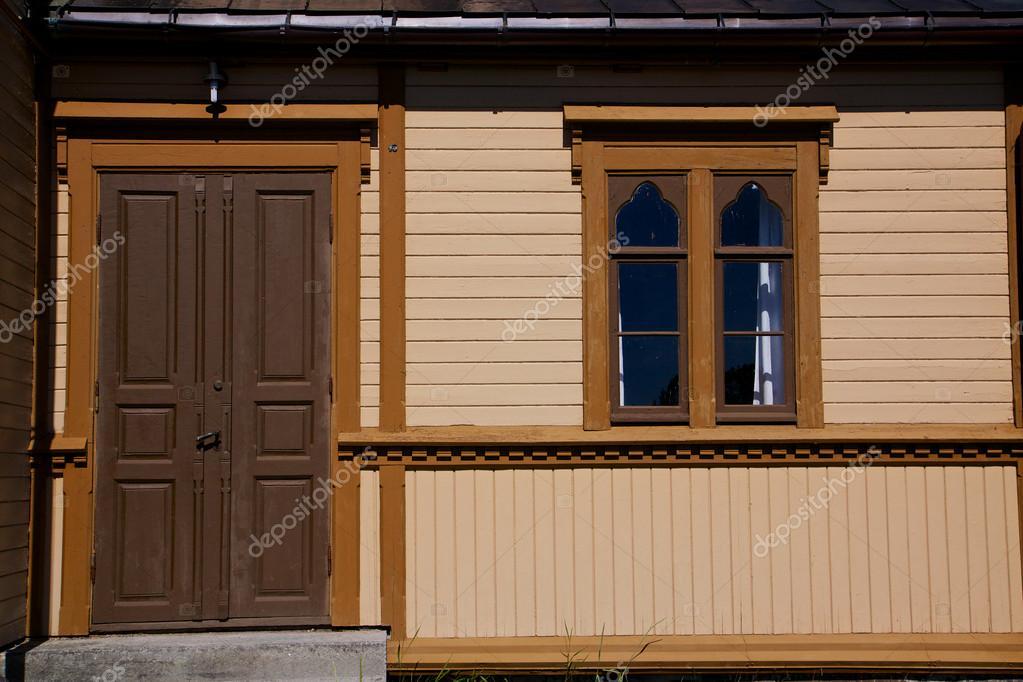 Dettaglio con porta e finestra foto stock for Porta e finestra insieme