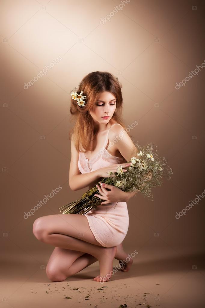 Fleuriste nus