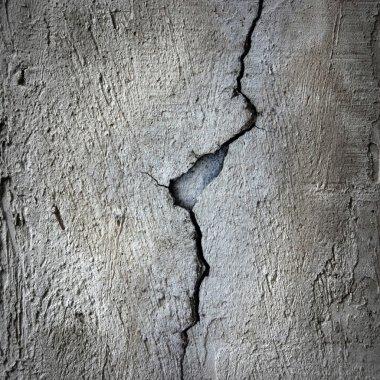 crack at cement