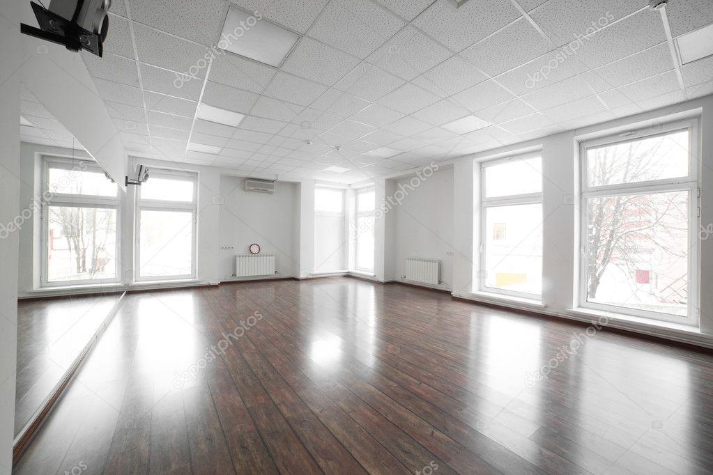 Salle vide dans le club de sport — photographie fiphoto