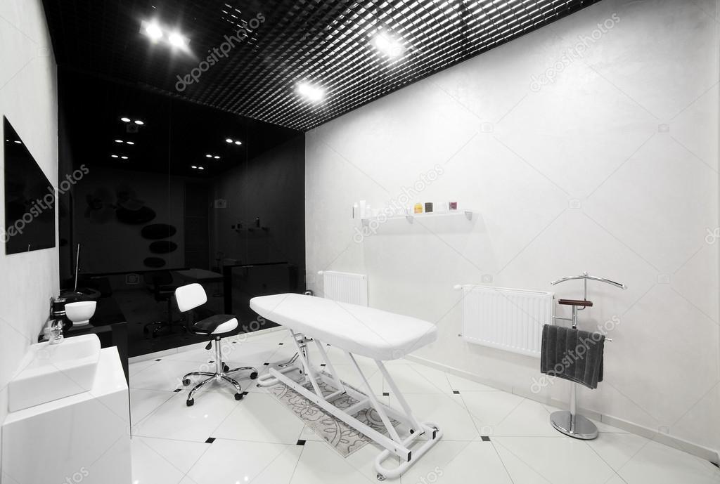 Interieur des modernen Beauty-salon — Stockfoto © fiphoto #46678429