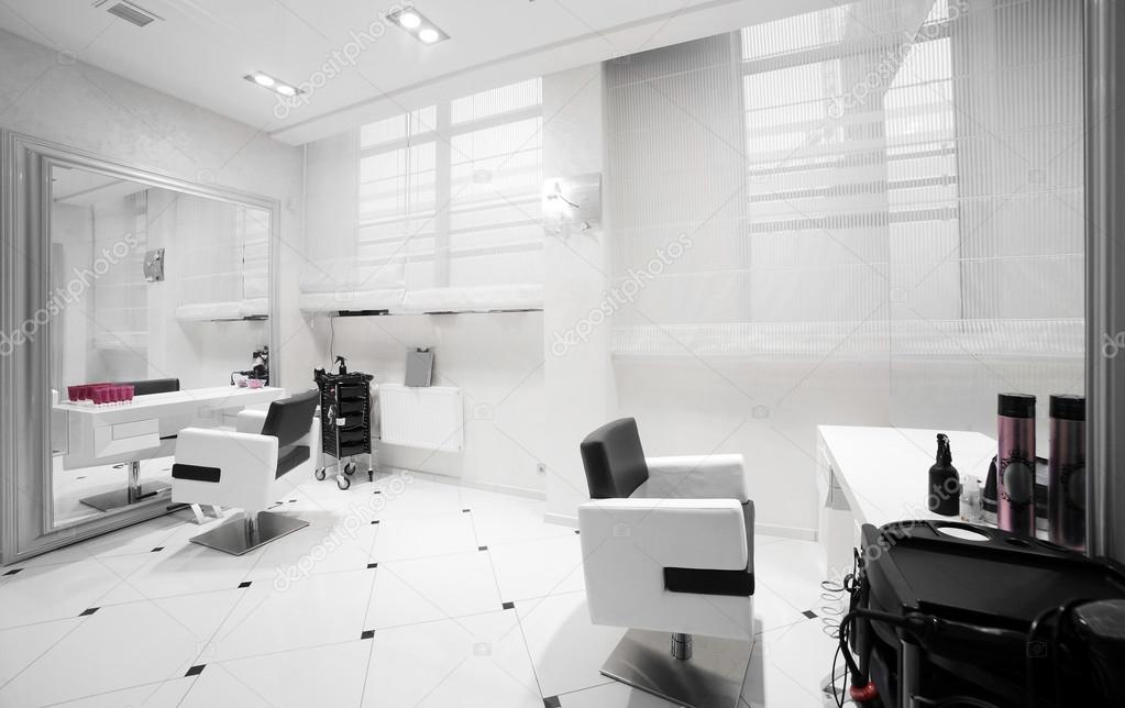 Interieur des modernen Beauty-salon — Stockfoto © fiphoto #47174145