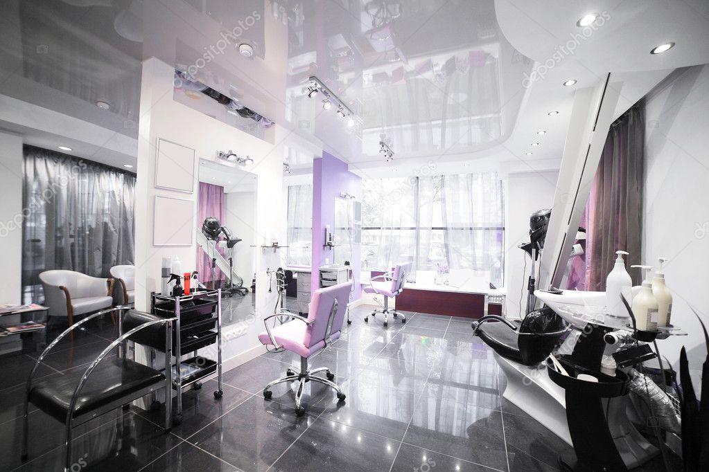Interno del moderno salone di bellezza foto editoriale for Interno moderno