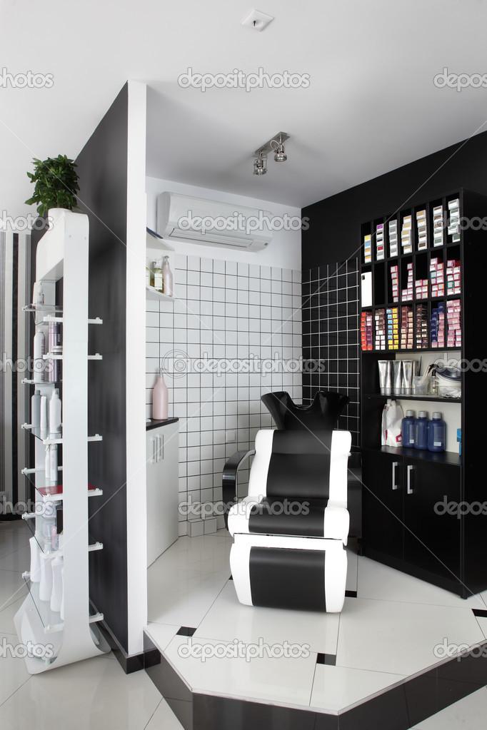 Interieur des modernen Beauty-salon — Stockfoto © fiphoto #49745941