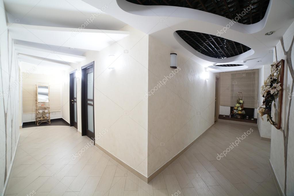 Interieur des modernen Beauty-salon — Stockfoto © fiphoto #49746943