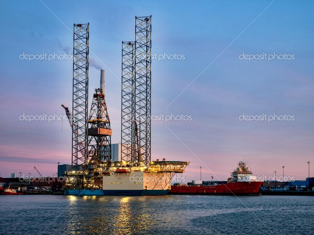 Piattaforma petrolifera nel porto di esbjerg danimarca for Piani di costruzione della piattaforma gratuiti