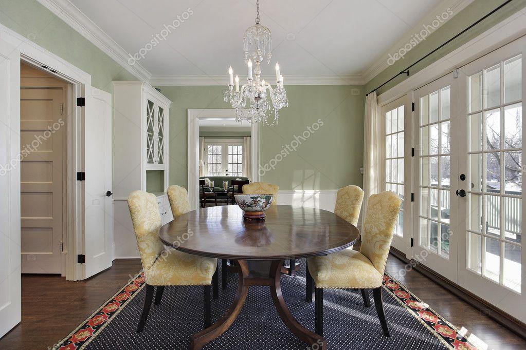 salón comedor con puertas a la cubierta — Foto de stock © lmphot ...