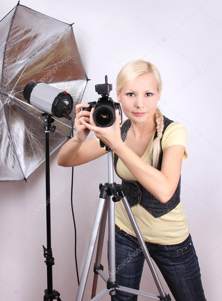 Фотосессия для фотографа с фотоаппаратом в студии