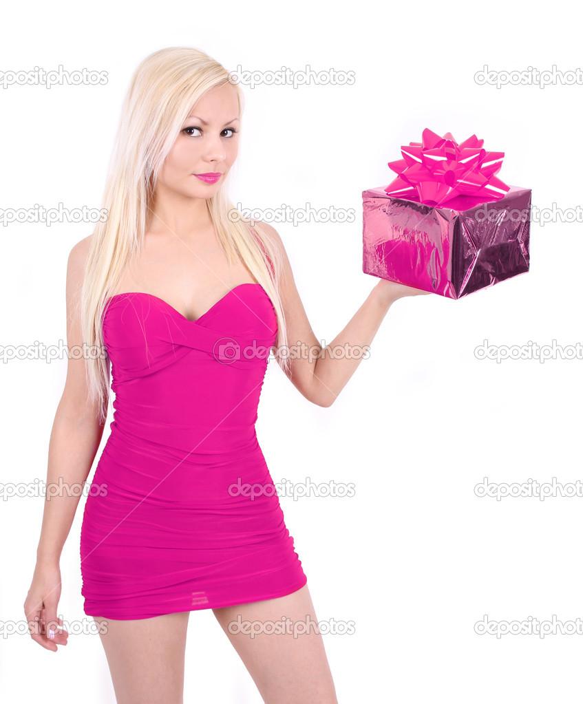 hermosa chica rubia caliente vestido rosa con caja de regalo de ...