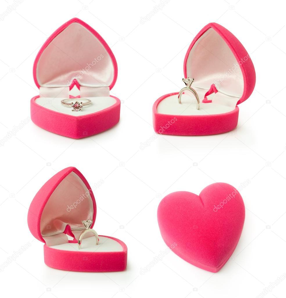 Pudełko Z Pierścionek Zaręczynowy W Kształcie Serca Zdjęcie