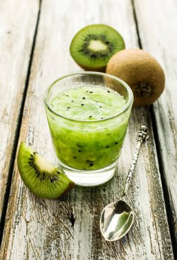 Smoothies of kiwi