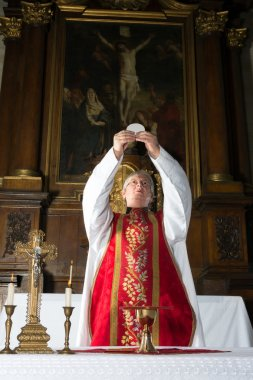 Consecration during catholic mass