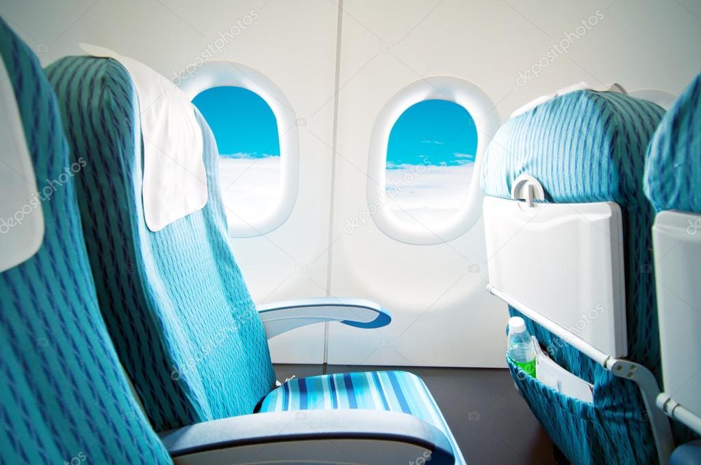 Asientos y mesa plegable foto de stock gyn9037 20024253 for Mesa plegable con asientos