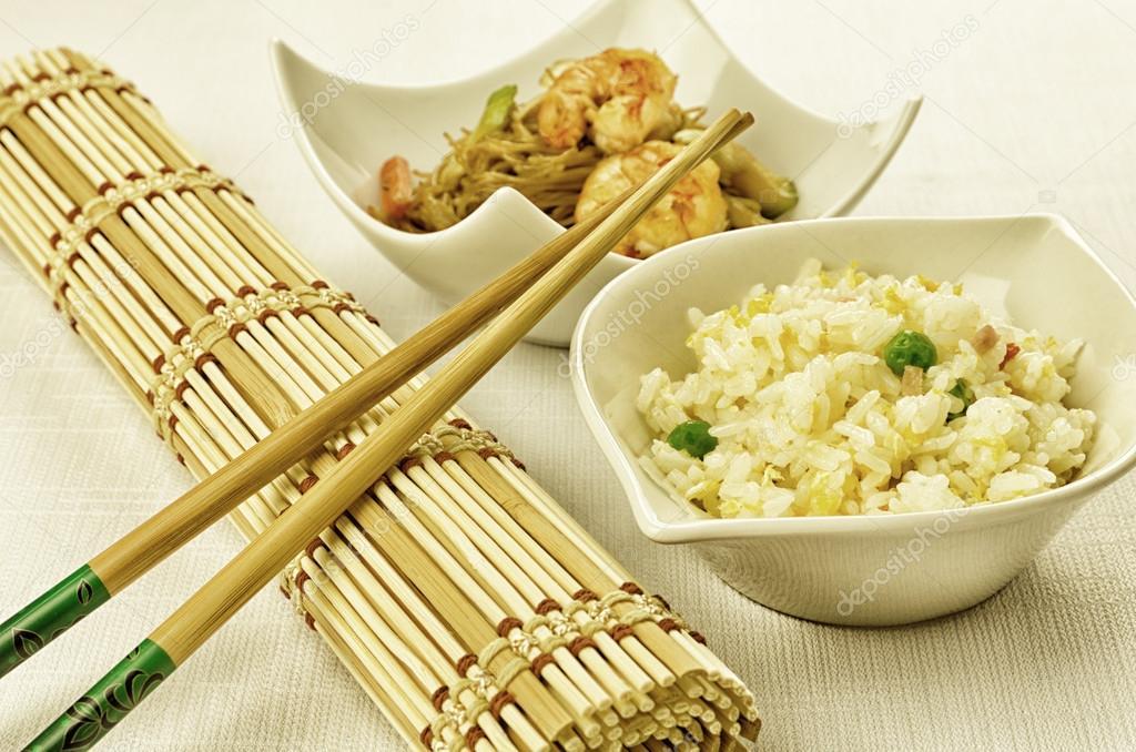 Cibo cinese qualche piatto foto stock milacroft 21126153 for Piatto cinese