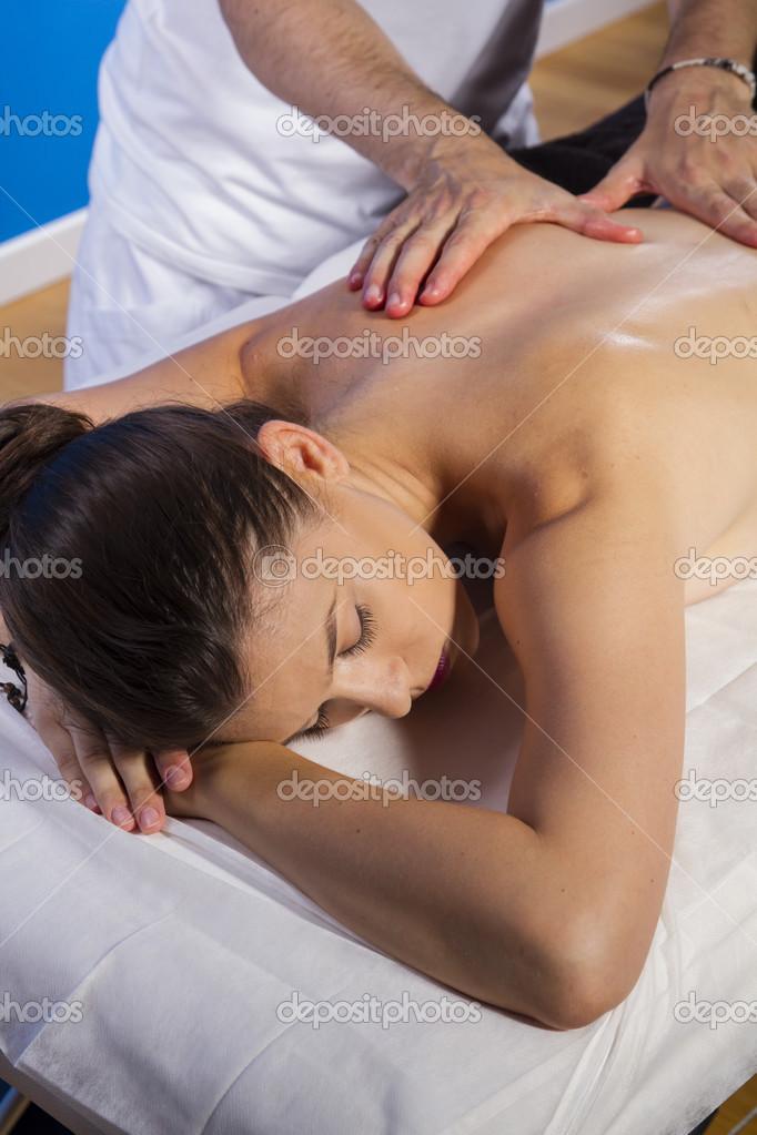 увидеть смотреть порнуху делал массаж и воткнул в телку звучит