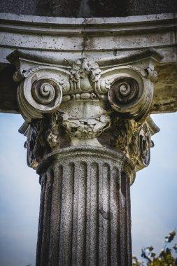 Greek-style columns