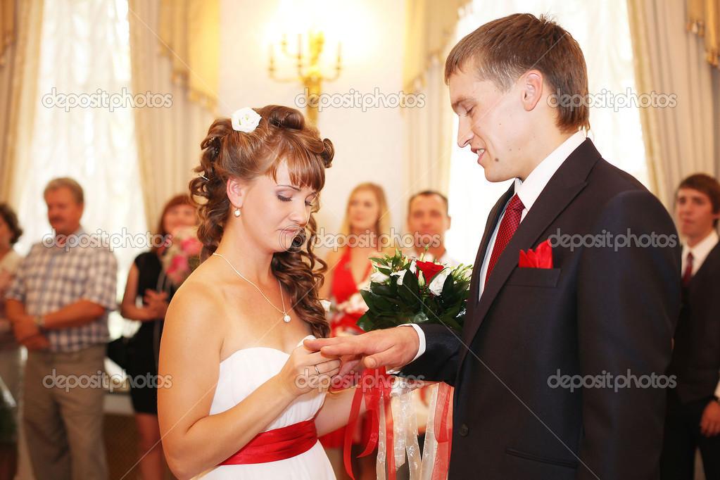 Matrimonio In Russia : Matrimonio da scandalo in russia tra un attore e la sua giovane
