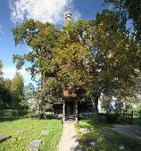 Chiesa di legno e la tomba del poeta batiushkov
