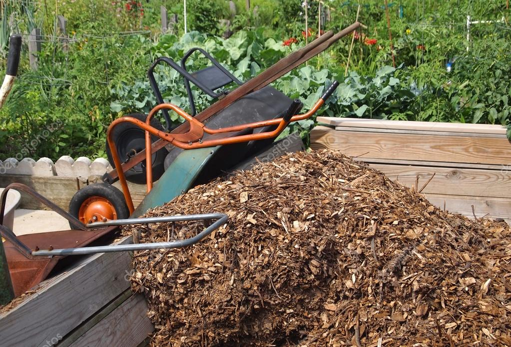 Wheelbarrows Community Mulch