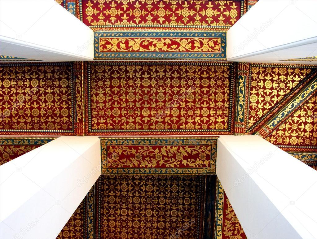Thai Kunst dekorative Decke mit den Tempel von thailand — Stockfoto ...