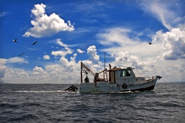 Towing Boat - Fishing boat trawler