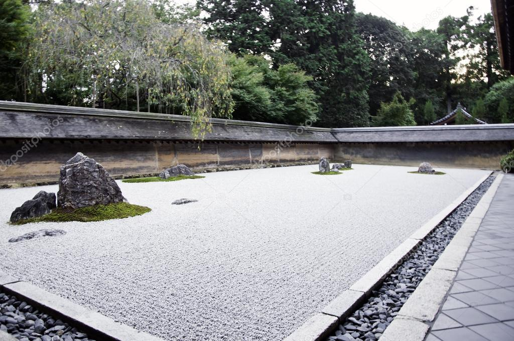A Zen Rock Garden in Ryoanji Temple KyotoJapan Stock Photo