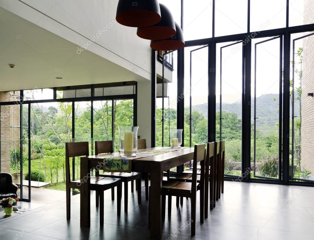 holztisch esszimmer, esszimmer-interieur mit holztisch und stühle — stockfoto, Design ideen