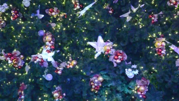 Vánoční ozdoby na pozadí ve tvaru hvězdy