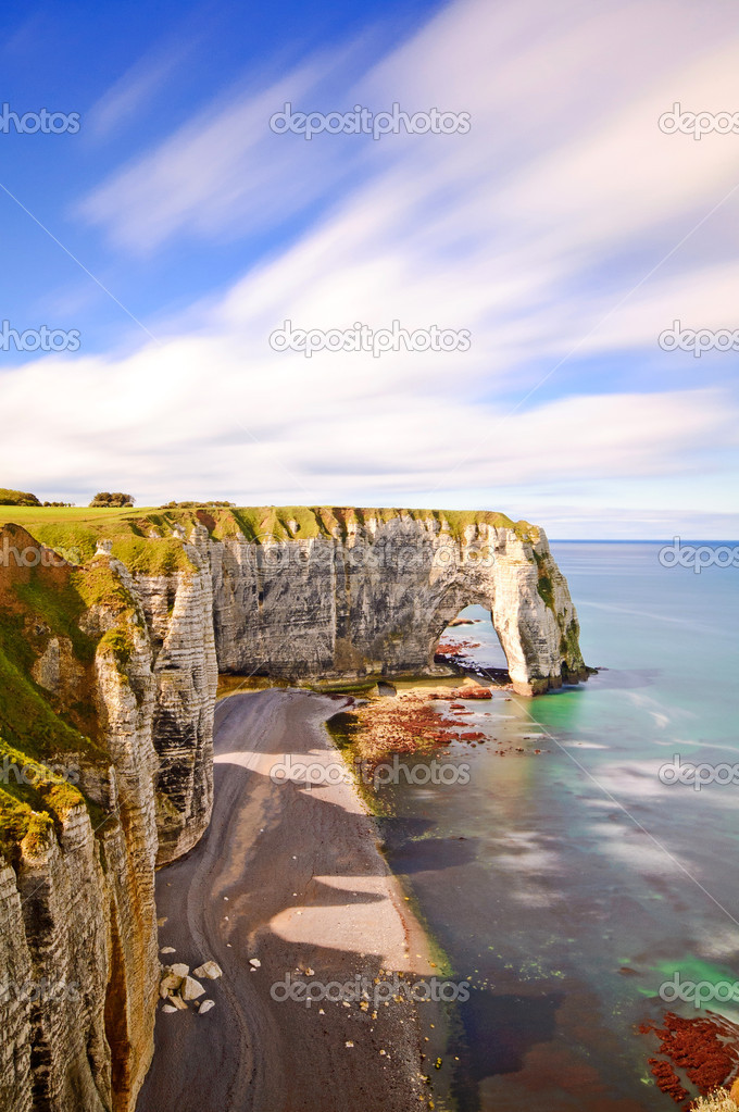 Фотообои Etretat, Manneporte natural rock arch and its beach. Normandy, F