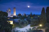 Fotografie San Gimignano Nacht, mittelalterlichen Wahrzeichen im Mond Licht, tower