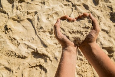 Heart from sand