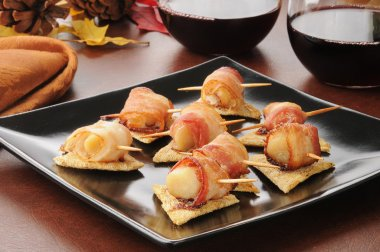 Bacon wrapped scallops appetizers