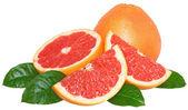 řez grapefruitu s listy