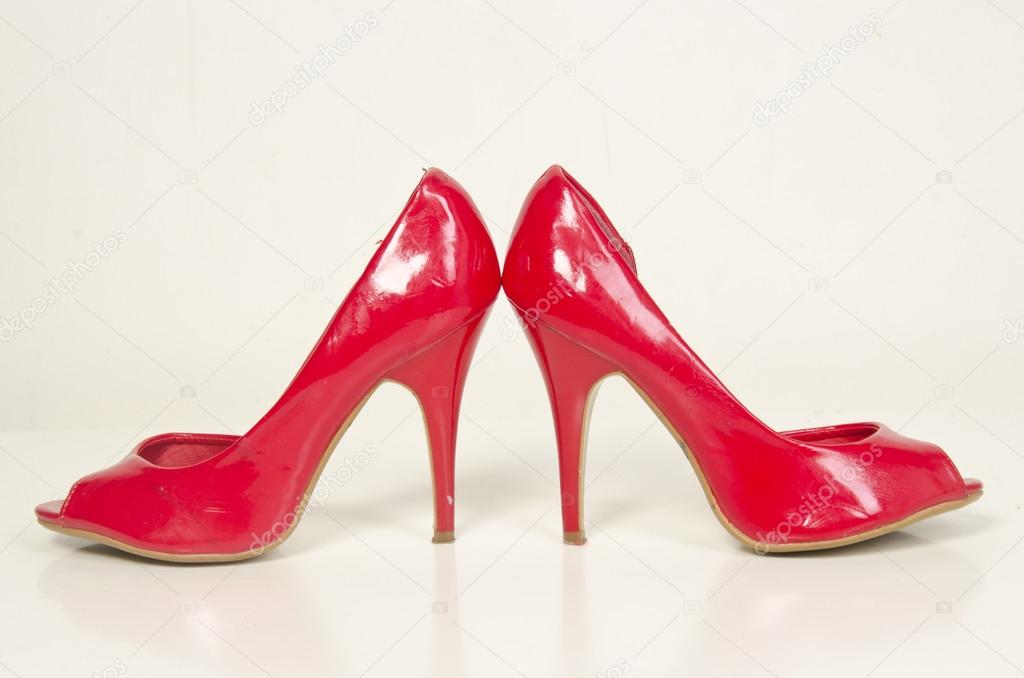 1650767e1f High Heels with inner platform sole, red patent leather — Stock Photo
