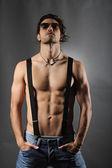 Fotografie Studioaufnahme von einem sexy nackter Oberkörper Mann