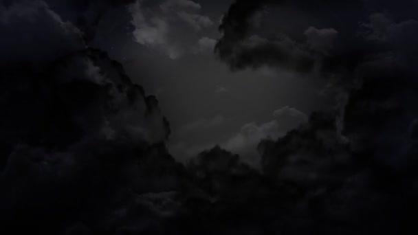 tmavé oblohy a hrom