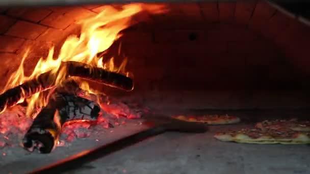 pizzy pečení v dřevo padáka trouba