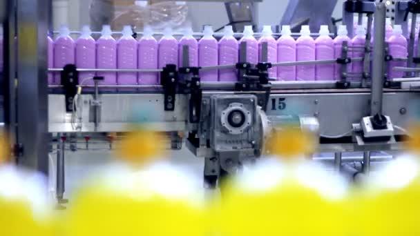 automatizované výrobní linky - čistící prostředky