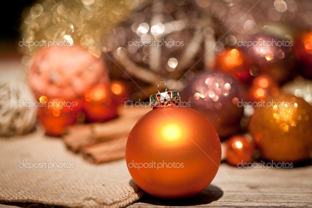 Feestdagen Natuurlijke Kerstdecoratie : Glinsterende kerstdecoratie in oranje en bruin natuurlijke hout