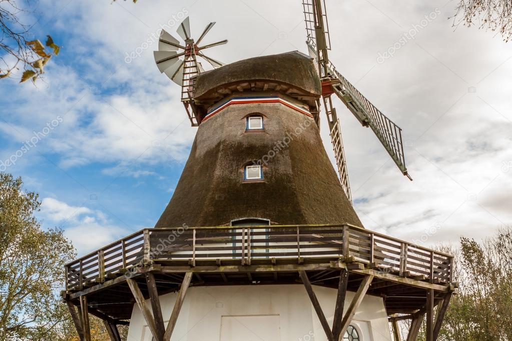 Moulin A Vent En Bois Photographie Nilswey C 42190881