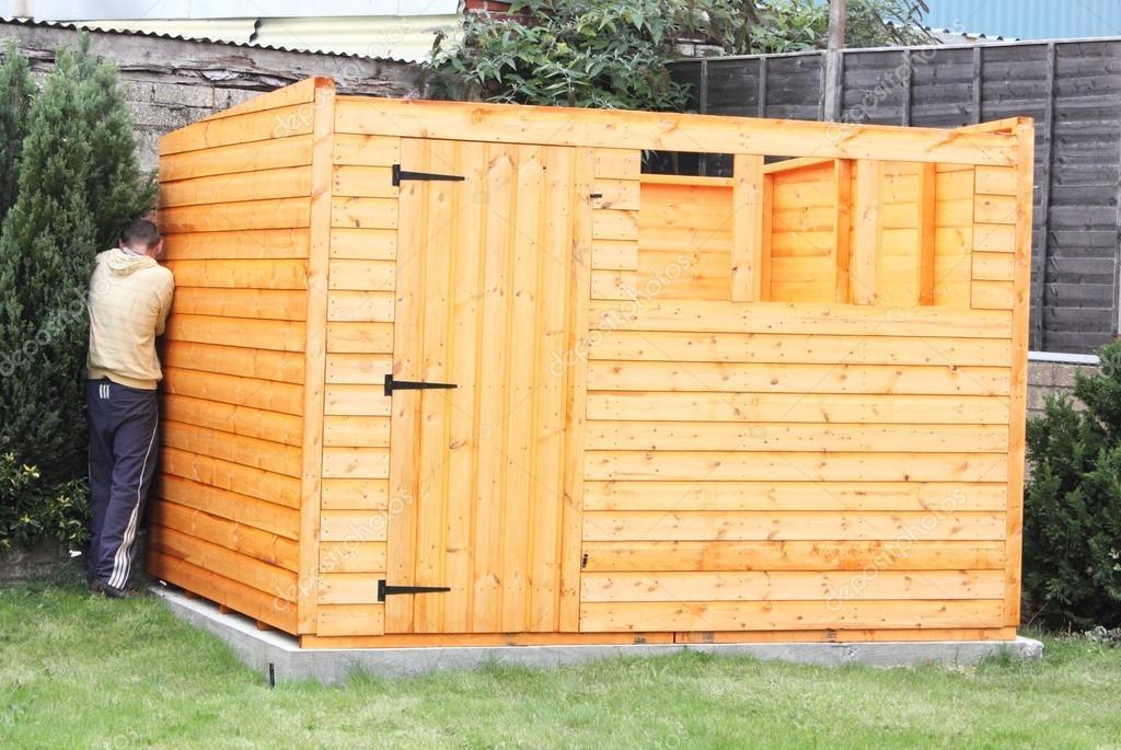 Costruire Una Tettoia In Legno Foto Stock 1markim 32497397