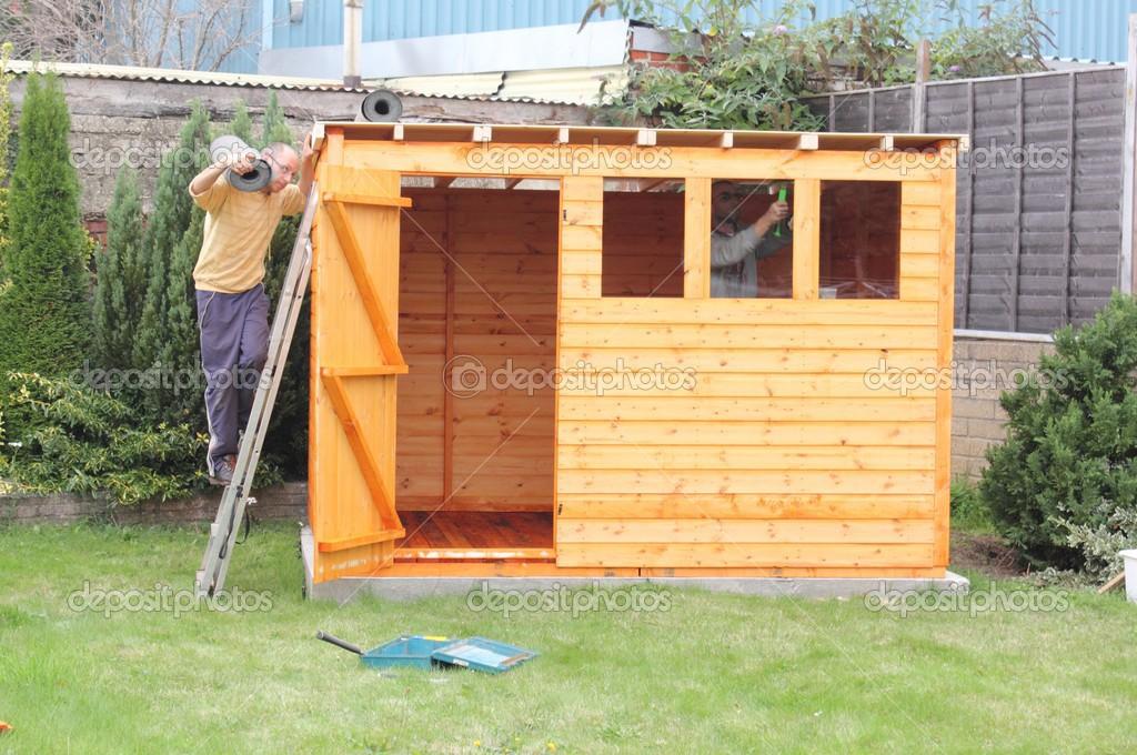 Costruire Una Tettoia In Legno Foto Stock 1markim 32497443