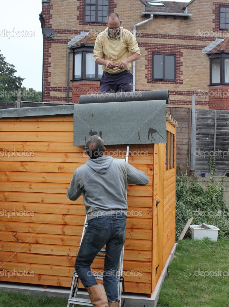 Costruire Una Tettoia In Legno Foto Stock 1markim 32497581
