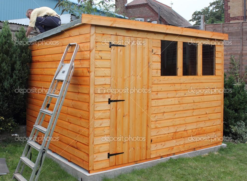 Costruire Una Tettoia In Legno Foto Stock 1markim 32497871