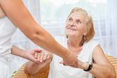 gondoskodás idősek