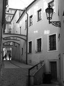 úzkými uličkami Prahy