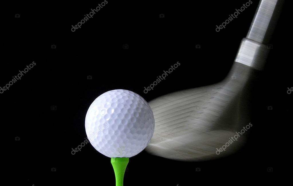 zeitpunkt der wirkung schwarz wei bild eines golf clubs zu einen golfball getroffen. Black Bedroom Furniture Sets. Home Design Ideas