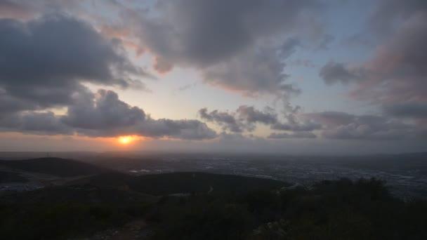 západ slunce z dvě špičky