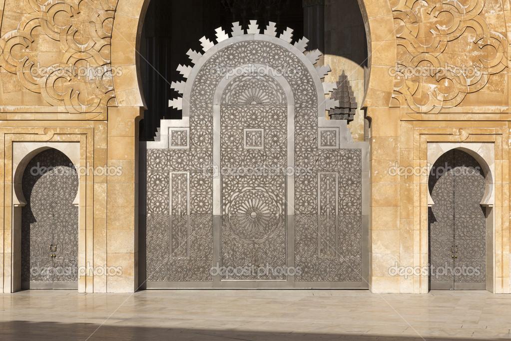 Oriental doors Hassan II Mosque Casablanca \u2014 Stock Photo & Oriental doors Hassan II Mosque Casablanca \u2014 Stock Photo ...